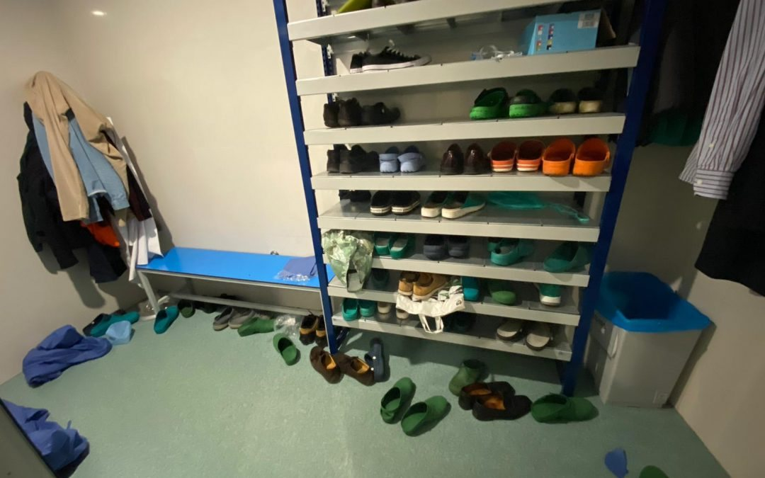 Operating theatre, over-shoes, floor counts, infection control measures
